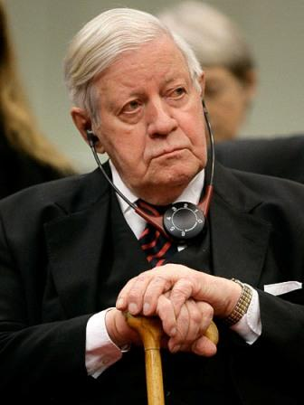 Helmut Schmidt smoking Sozialdemokratische Grenzen eines Helmut Schmidt Zur SPD ... - schmidt-helmut